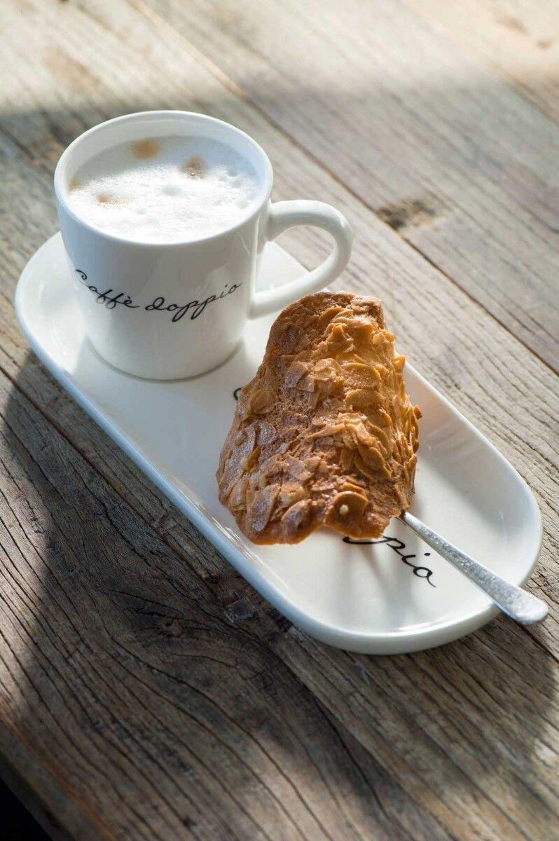 Filiżanka z talerzykiem Caffe Doppio 25,5x11x8 cm Riviera Maison