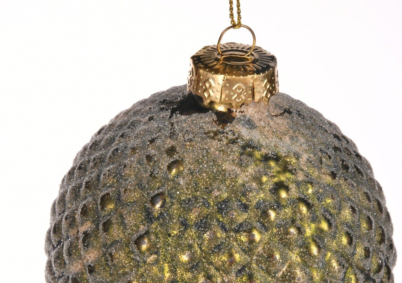 Zielona bombka z tłoczonym wzorem 10cm