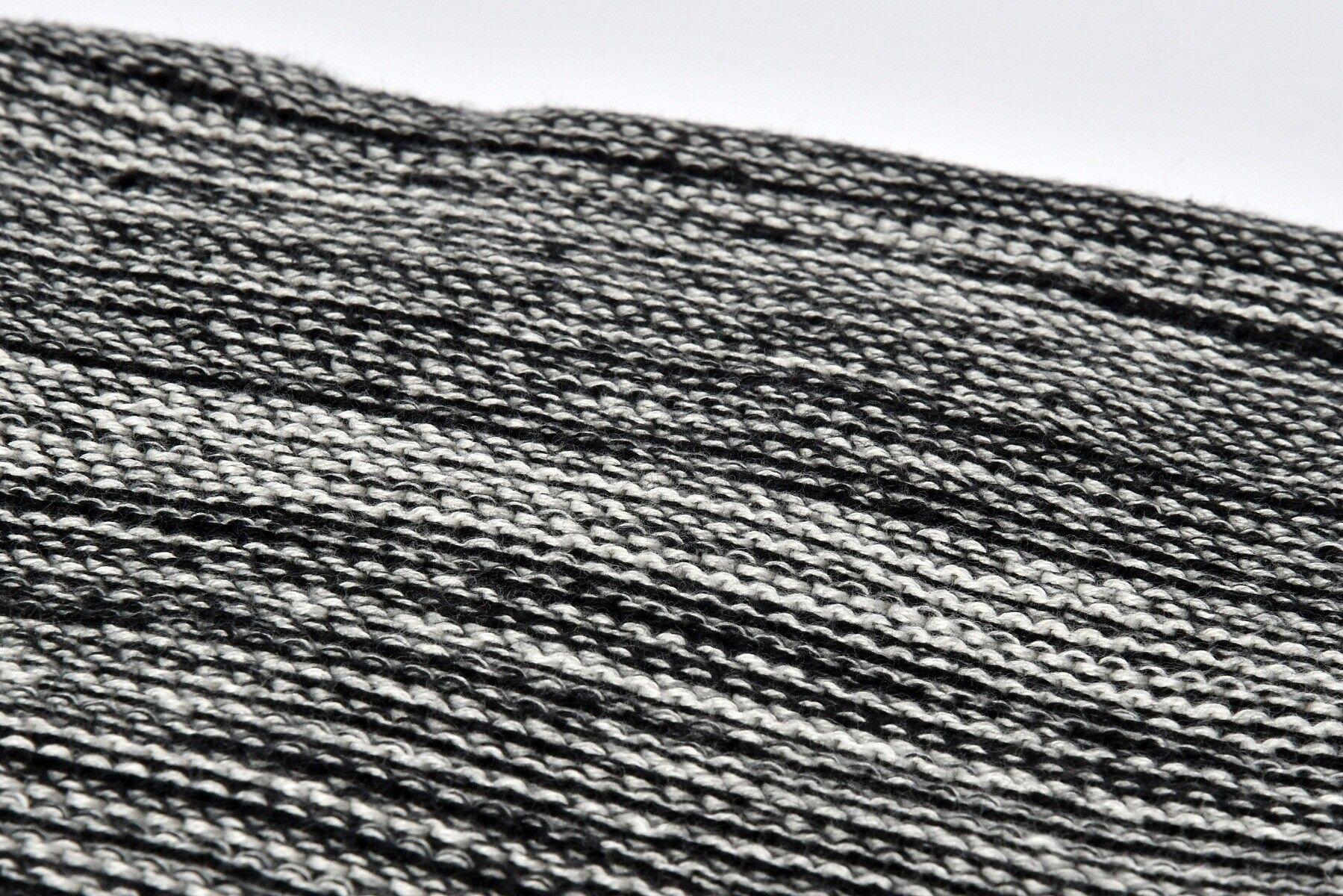 Koc z pomponami Tirny 150x170 cm