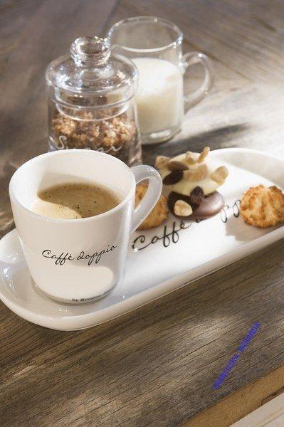 Filiżanka z talerzykiem Caffe Doppio 25,5x11x8 cm Riviera Maison Miloo Home 129240